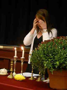 Shabbat candle lighting prayer ceremony
